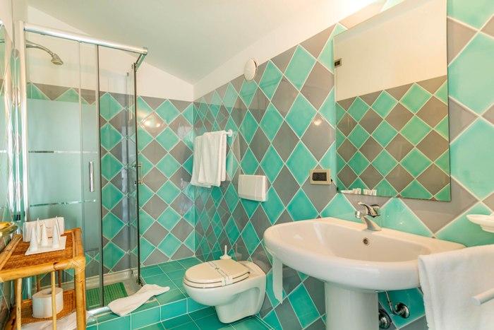 bath-suite-403-img_8217-700x467