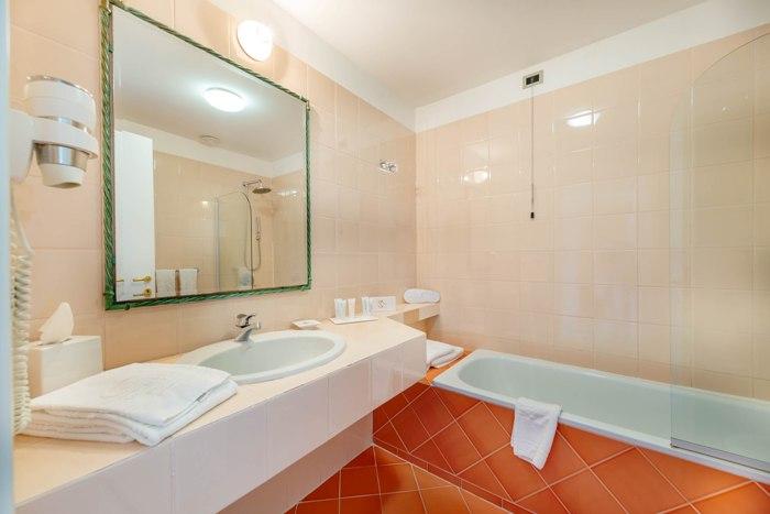 bath-superior-img_8331-700x467